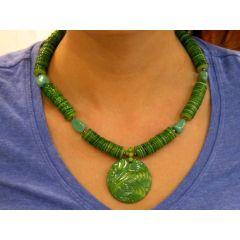Perlmut Kette mit Jadesteinchen