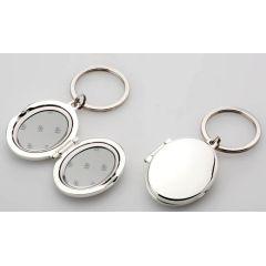 **Schlüsselanhänger - Medaillion- oval- versilbert und anlaufgeschützt