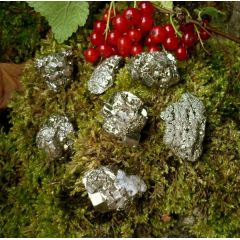 "Pyrit mini ""Chispa"" kleine Kristalle (ca. 2-3cm)"