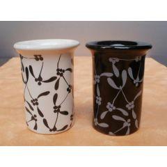 Duftlampe mit floralem Muster in Weiß oder Schwarz