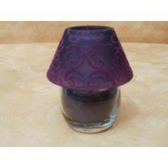 Kerzenlampe in lila mit Ornamentverzierung