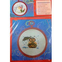 Sticksatz Stickset mit Rahmen Stickbild Biene mit Nadel, Wolle, Rahmen sowie einer Anleitung Kreuzstickerei
