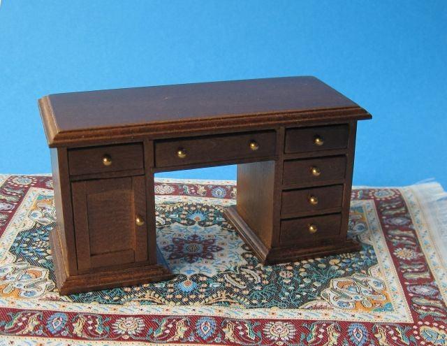 schreibtisch braun f r die puppenstube 1 12 wohnzimmer schlafzimmer puppenhaus miniaturen. Black Bedroom Furniture Sets. Home Design Ideas