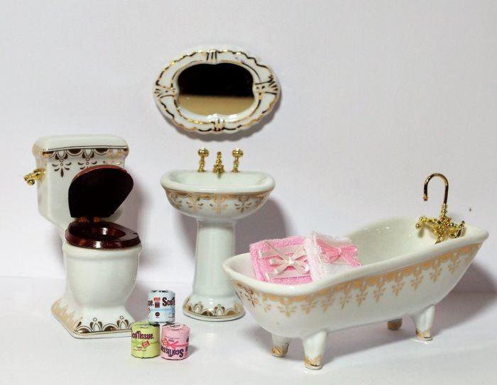 badezimmer weiss gold 4 teile und zubeh r puppenhaus m bel miniaturen 1 12. Black Bedroom Furniture Sets. Home Design Ideas