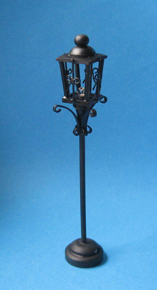 strassenlaterne schwarz led puppenhaus beleuchtung miniaturen 1 12. Black Bedroom Furniture Sets. Home Design Ideas