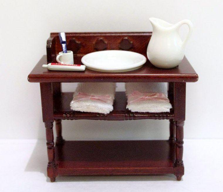 badezimmer waschtisch braun mit handt cher krug sch ssel puppenhaus m bel miniatur 1 12. Black Bedroom Furniture Sets. Home Design Ideas