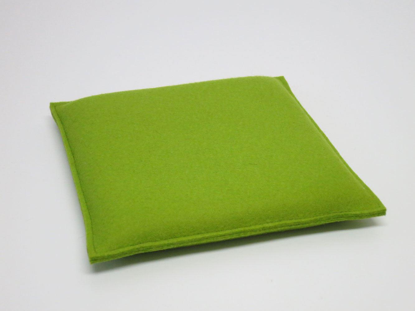 quadratische kleine sitzkissen aus filz ma e 30 x 30 cm von kl pfer. Black Bedroom Furniture Sets. Home Design Ideas