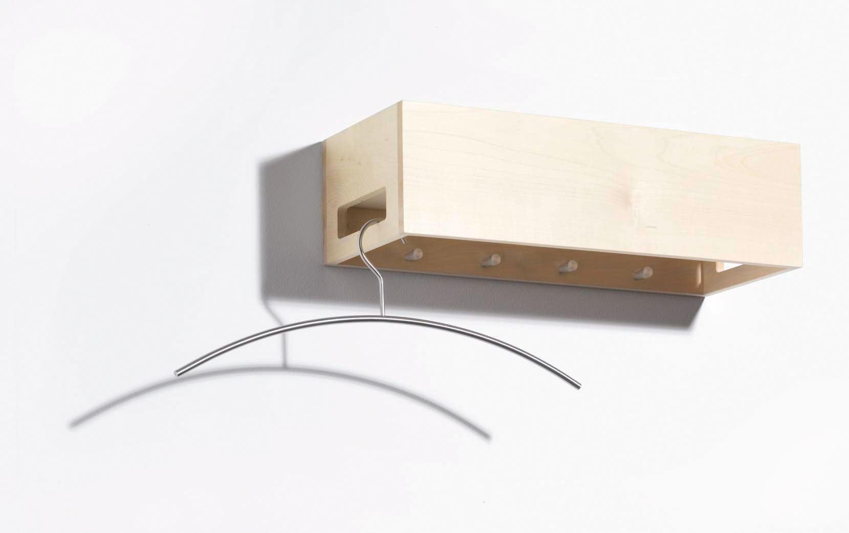 wandgarderobe aus holz garderobe diele wohnen. Black Bedroom Furniture Sets. Home Design Ideas