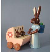 Hasenmutter mit Zwillingswagen 5 cm Osterhasen Kinder Erzgebirge Seiffen