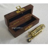 **Sturmfeuerzeug aus Messing mit Lederriemen in Holz/Geschenkbox- Ankermotiv - Benzin