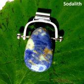 Trommelstein Sodalith gebohrt mit Wechselbogen
