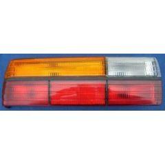 Rücklicht / Rückleuchte / Heckleuchte Audi 80 / 90 81 .1 / 85 / Q / mit RFL L - 9.78 - 8.84 - gebraucht