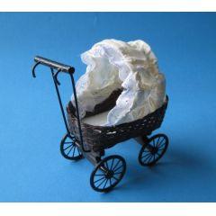 Puppenwagen Puppenhausmöbel für die Puppenstube Miniatur 1:12