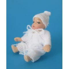 Baby mit Mütze Puppe für die Puppenstube Miniatur 1:12