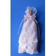 Baby in rosa Taufkleid  Puppe für Puppenhaus Miniaturen 1:12