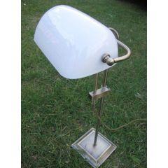 **Schreibtisch/Bankierlampe Messing brüniert- anlaufgeschützt- kein polieren- mit Milchglasschirm