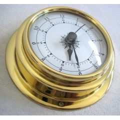 **Kleine, leichte 80 g Uhr in Bullaugenform aus Messing- Durchmesser 10 cm