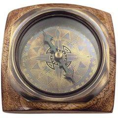 Kompass- Antik-Messing- anlaufgeschützt- auf Holz