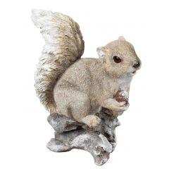 Eichhörnchen mit Eichel braun creme 23 cm Waldfiguren