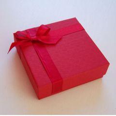 Schmuckverpackung, Schmucketui aus Karton rot mit Schleife