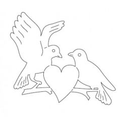 Taubenpaar mit Herz aus Holz in verschiedenen Größen