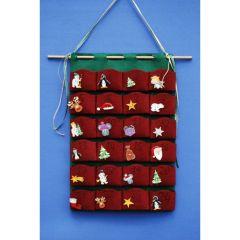 Adventskalender mit roten oder grünen Taschen und 24 Holzknöpfen