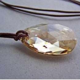 Großer Swarovski® Kristall Tropfen 38mm mit Lederband, 2 Farben