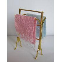 Handtuchhalter und zwei Handtücher Badezimmer Puppenhausmöbel Miniatur 1:12