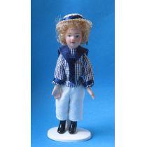 Junge im Matrosen Anzug mit Hut  Puppe  Miniatur 1:12