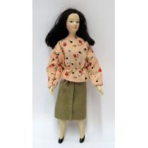 Puppe Maedchen Frau modern für die Puppenstube Miniatur 1:12