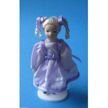 Puppe Mädchen im lila Kleid Zöpfe Puppenstube Miniatur 1:12