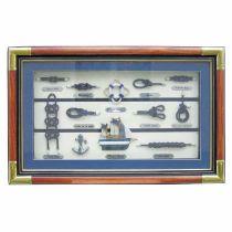 Dekorative Knotentafel + Schiffsmodell und anderen maritimen Accessoires 55 cm