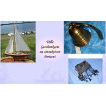 **Geschenkeset bestehend aus Segelyacht, Schiffsglocke anlaufgeschützt + Fischernetz braun