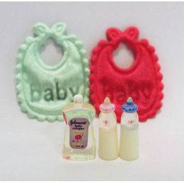 Babyset Lätzchen, Fläschchen 5 Teile Puppenhaus Dekoration Miniaturen1:12