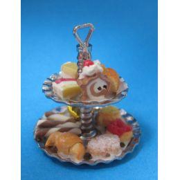 Mini Etagere mit Torte und Gebäck Puppenstuben Dekoration Küche Miniatur 1:12