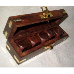 **Edle Würfel- Box mit 5 Würfeln aus Holz und Messingintarsien