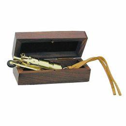 **Elegantes Sturmfeuerzeug aus Messing mit Lederriemen in Holz/Geschenkbox- Benzin
