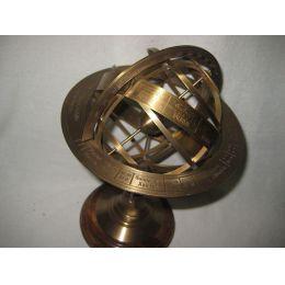**Globus-Armillarsphäre aus Alt-Messing auf Holzsockel- 21,5 cm, Ø 14 cm- sehr EDEL