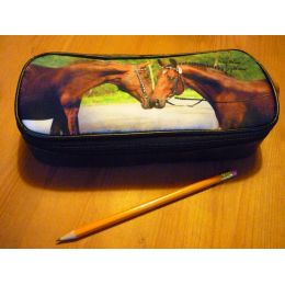 Federmäppchen / Schlampermäppchen küssende Pferde