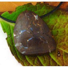 Boulder-Opal, Opal in Muttergestein, Anhänger seitlich gebohrt