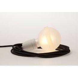Schwarze Lampe mit Porzellanfassung und schwarzem Textilkabel