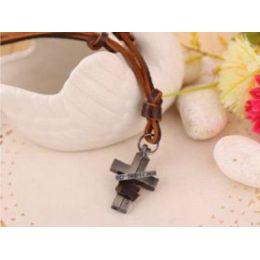 Lederhalsband mit Kreuz