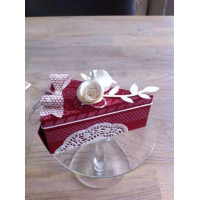 Papierfalttasche Geschenkverpackung Tortenstückform Farben frei wählbar | Tortenstück